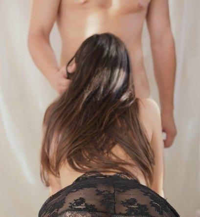 Домашние фото. Брюнетки. Красивый нежный секс (15 Фотографий) .